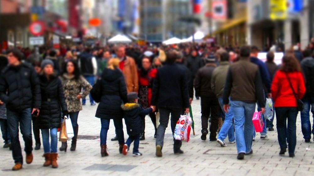 通行人の多い路面店