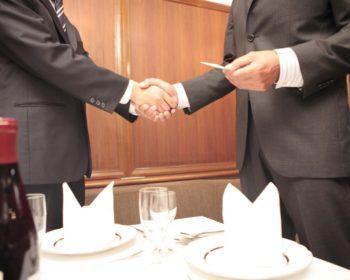 会食にて挨拶